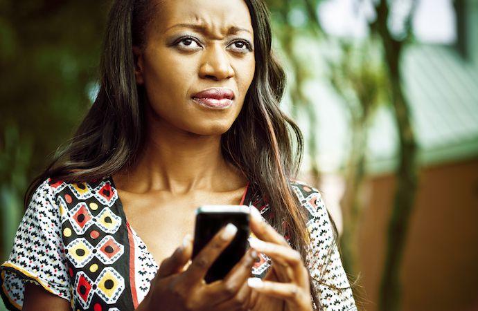 Telefondan BIkmış Kadın - Sosyal Medya Bağımlılığının Çözümleri