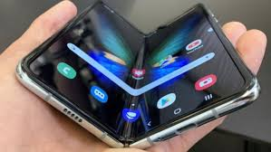 samsung katlanabilir teknoloji uzerinde duruyor - Samsung Katlanabilir Teknoloji Ürünleri Üzerinde Duruyor