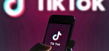 TikTok akilli telefon tanitildi 364x170 - TikTok Dört Kameralı Akıllı Telefonunu Tanıttı